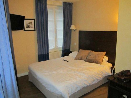 Hotel du Louvre Saint-Malo :                   Chambre