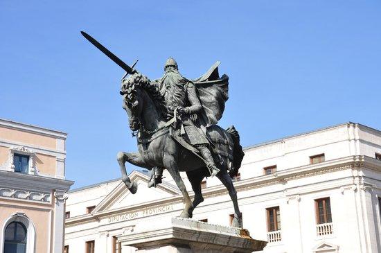 Plaza del Mio Cid: Escultura del Cid