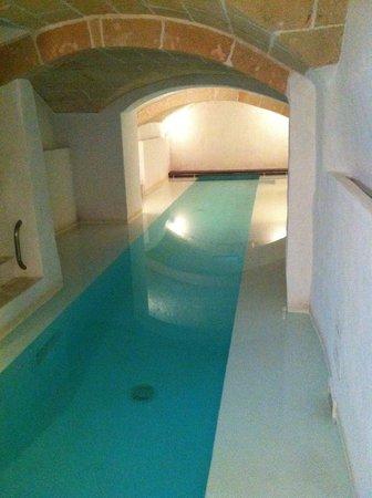 Hotel Albranca:                   Piscina del Hotel Tres Sants a la que puedes ir a nadar
