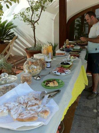 Hotel Albranca:                   Un magnífico desayuno
