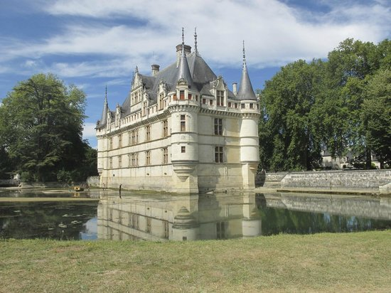 Chateau of Azay-le-Rideau:                   The lake had been drained to do some repairs.