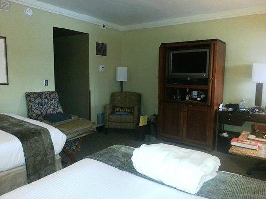 The Heathman Hotel: Room 1021