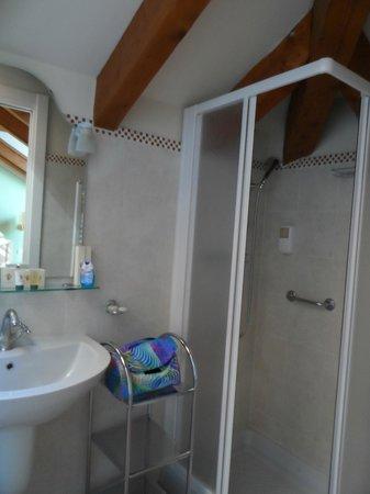 Hotel Pallanza: Bagno ...