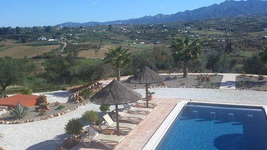 Dos Iberos Luxury Bed & Breakfast:                   bij het zwembad