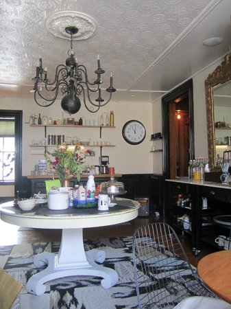 Made INN Vermont, an Urban-Chic Boutique Bed and Breakfast:                   Kitchen cafe area
