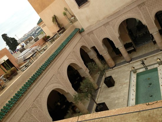 Riad Fes - Relais & Chateaux: Vista da una delle terrazze