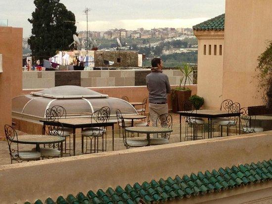 Riad Fes - Relais & Chateaux: Panorama da una delle terrazze