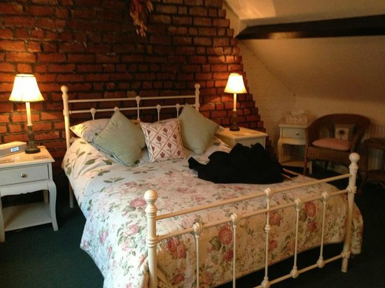 Park Place Guest House:                   Very comfortable and pretty rooms