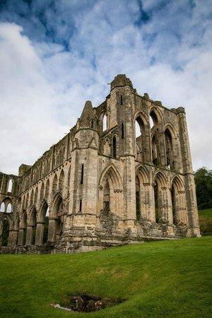 Rievaulx Abbey:                   Lovely ruins                 