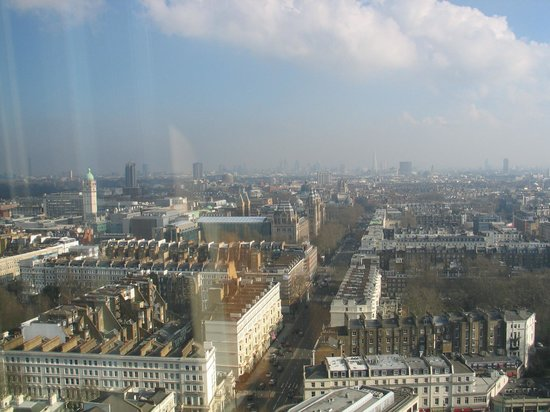 Holiday Inn London Kensington Forum:                   City view from 27th floor