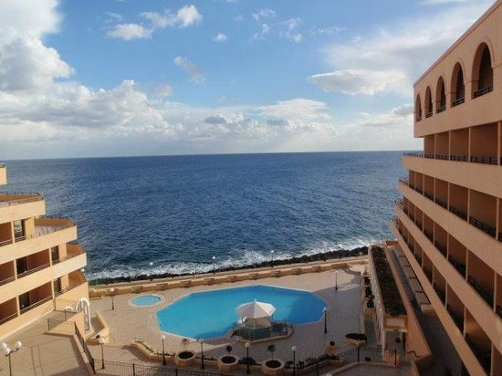 Radisson Blu Resort, Malta St Julian's:                   View from balcony