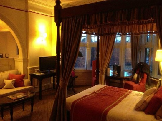 Montagu Arms Hotel:                   Our upgraded bedroom