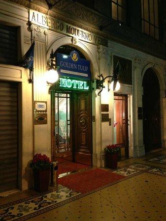 Best Western Hotel Moderno Verdi : Porta di ingresso hotel