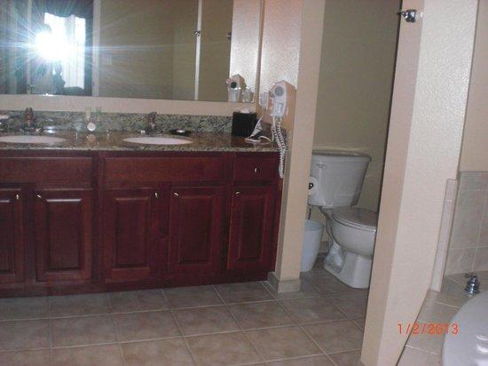 WorldQuest Orlando Resort:                   Banheiro da segunda suíte