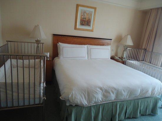 فور سيزونز القاهرة في نايل بلازا:                   bedroom                 