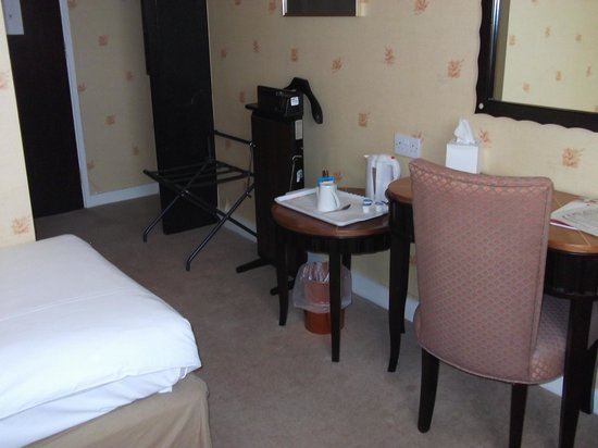 Coventry Hill Hotel: Single room 401