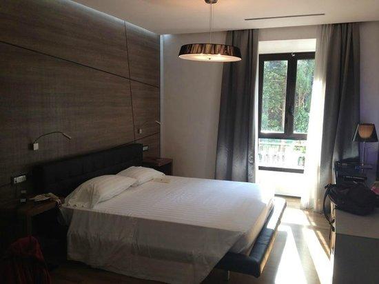Berg Luxury Hotel:                   habitación del hotel