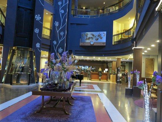 Hotel Plaza Andorra :                   Lobby
