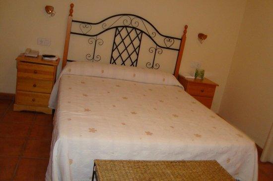 Hostal Castellote:                   habitación tranquila
