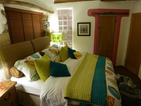 Lower Barns Boutique B&B:                   Garden Suite Room