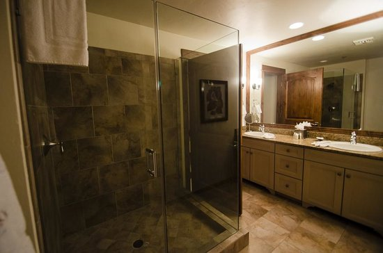 BlueSky Breckenridge: Master bathroom & shower, very spacious