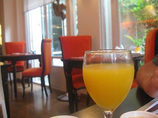 Rendez Vous Hotel Buenos Aires:                   Sala del desayuno