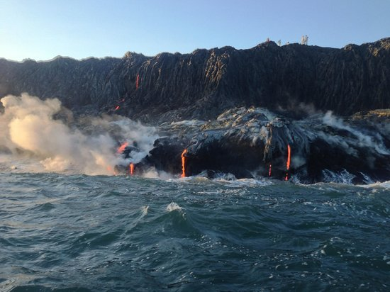 Lava Ocean Tours Inc:                   Lava on the cliff