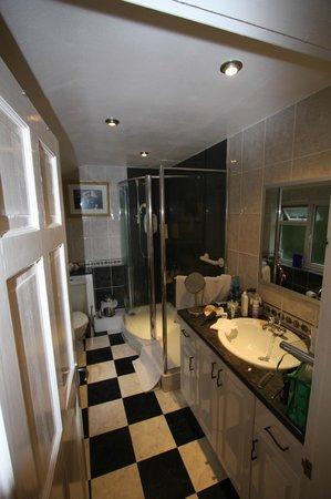 Greystones:                   Bathroom