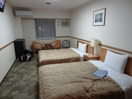 Toyoko Inn Sapporo Susukino Minami: Room across from the elevators
