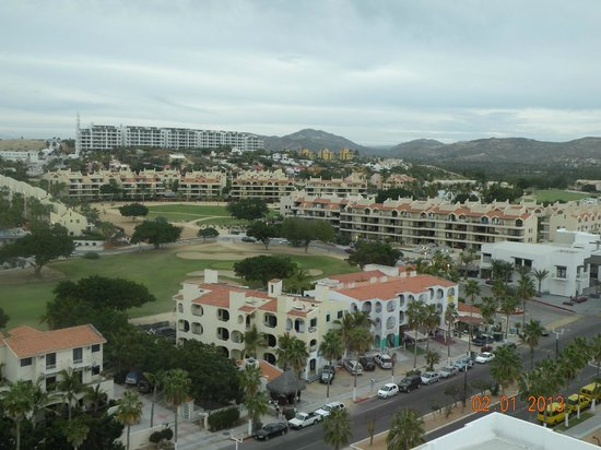Royal Solaris Los Cabos:                   View from Sports bar next door, looking up in the hills-mansions