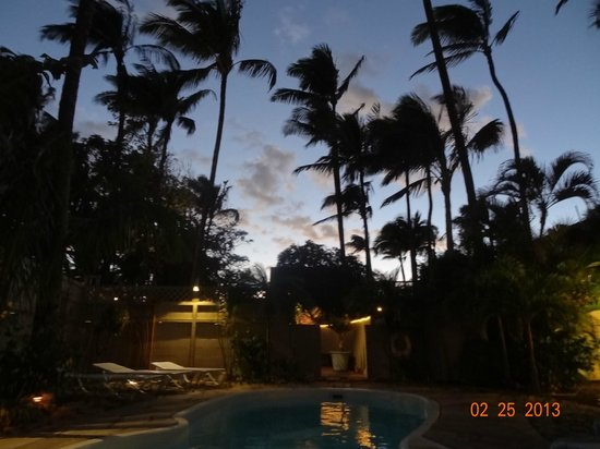 Maui Sunseeker LGBT Resort:                   Pool view in the evening