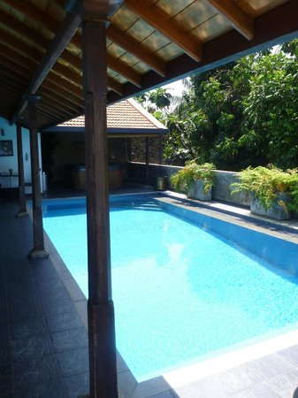 D Villas:                   Pool view 1