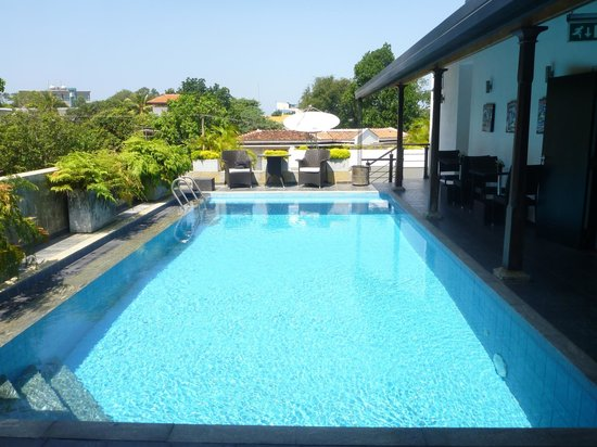 D Villas:                   Pool view 2