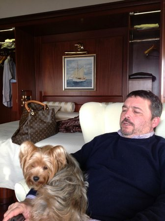 Hotel Bucintoro:                   La mia cucciola e mio marito camera 404