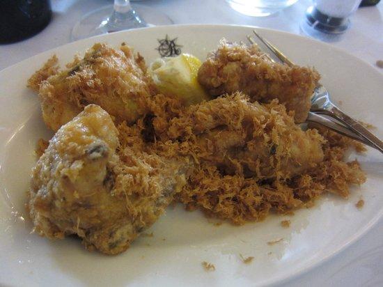 Trattoria I Ricchi: Fried chicken Tuscan-style