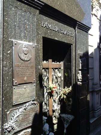 Cultura Cercana Tours: Where Eva Peron is buried Buenos Aires