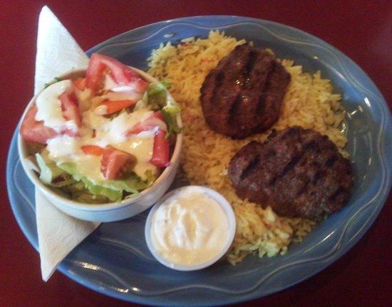 Opus Cafe Bistro: Kefte with EXCELLENT rice pilaf