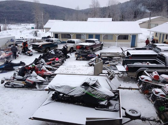 Hubs Motel :                   Parking lot during Event