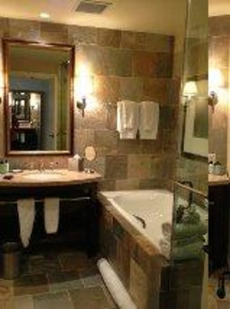 St Julien Hotel and Spa: Bathroom