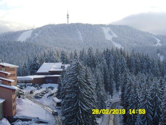 Grand Murgavets Hotel:                   View mountain from Murgavets