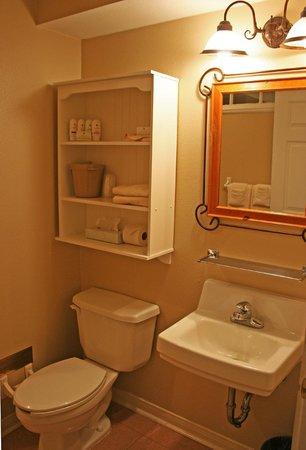Lantana Resort:                   King/Shower bath