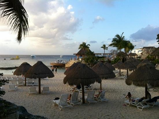 Grand Park Royal Cozumel:                   beach area