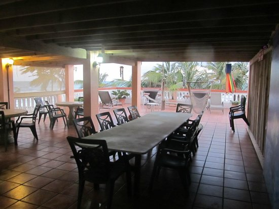 Luquillo Sunrise Beach Inn :                   Breakfast area
