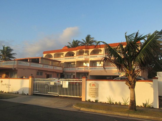 Luquillo Sunrise Beach Inn:                   Inn during the day