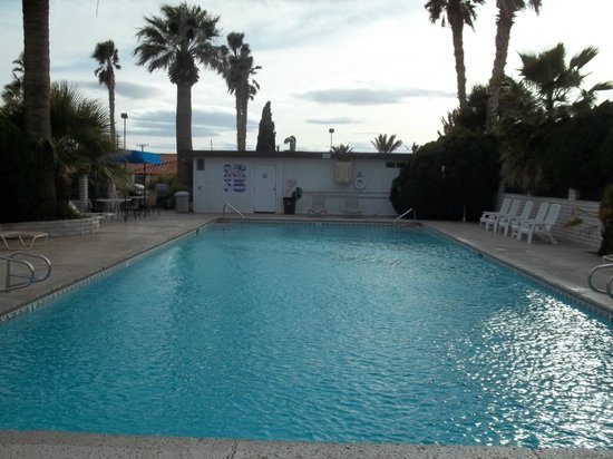 El Rancho Boulder Motel: pool