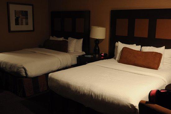 Best Western Plus Stovall's Inn:                   Cuarto correcto de un hotel ideal para ir a Disneyland