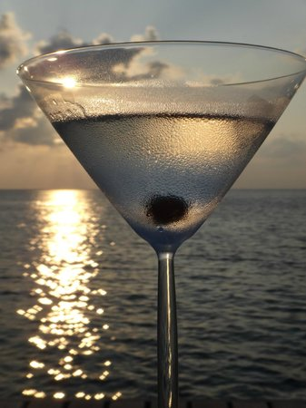 Huvafen Fushi: Martini at Sunset Bar