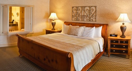 Hotel Bellwether: Premier Suite Bedroom
