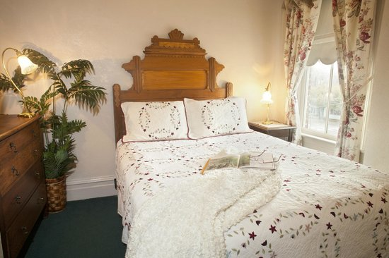 Bishop Victorian Hotel: Suite 23 Bedroom