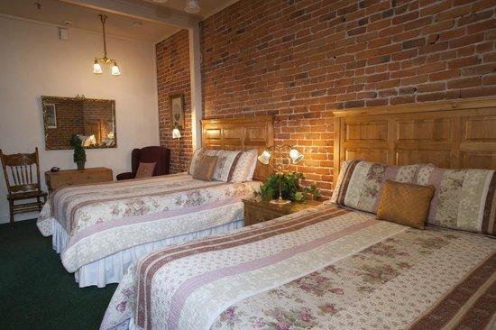 Bishop Victorian Hotel: Suite 25 Bedroom